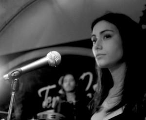 Claudia Sorvillo - voice on La gente che resta, Flying